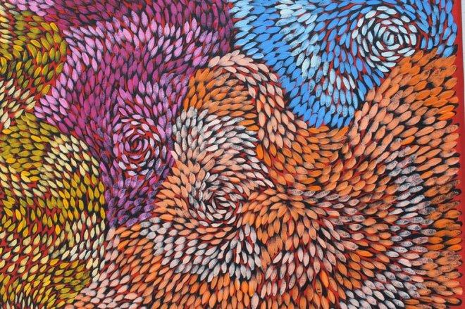 catherine-jaktman-curator-aboriginal-artist-daphne-marks-yalka-bush-onion-bluethumb-3c10